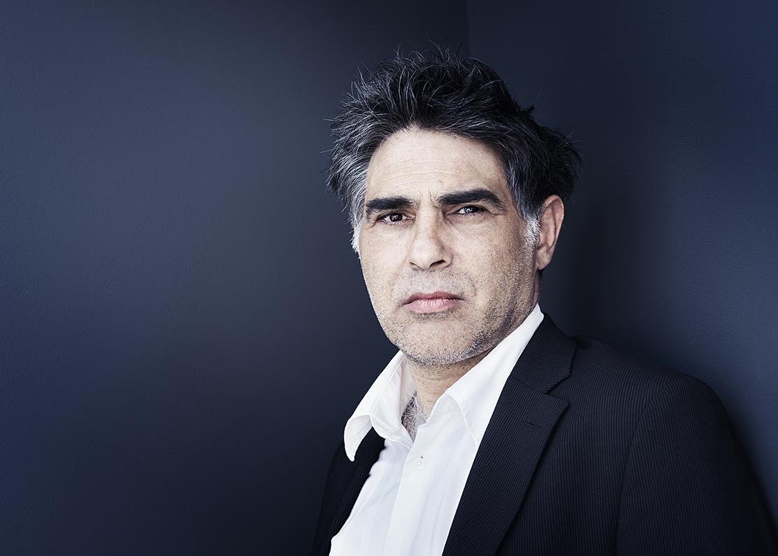 Edgar Pera, director
